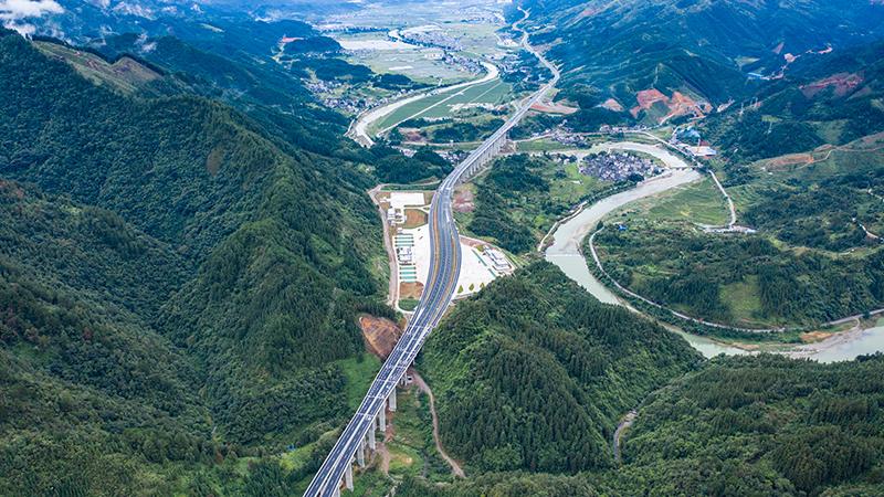 鸿冶为贵州剑榕高速项目供应声测管